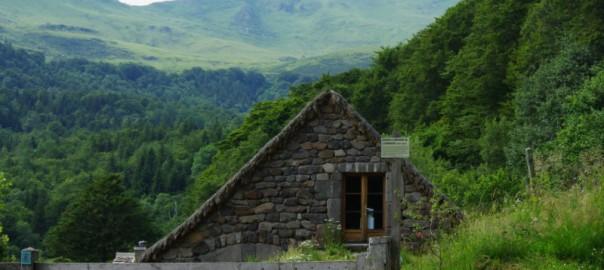 Buron dans la vallée de Brezons (Cantal)