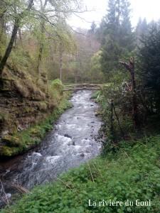 Le long de la rivière du Goul